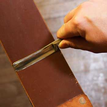 How to Sharpen a Straight Razor with a Strop